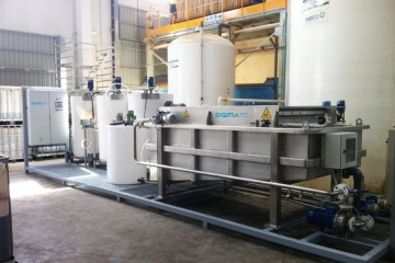 DAF-FPAC10 equipment designed and manufactured for the pre-treatment of waste water in a waste recovery plant.
